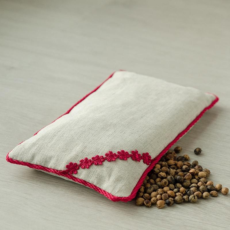 Подушка Нежность (вишневая косточка, лен) (23*14)