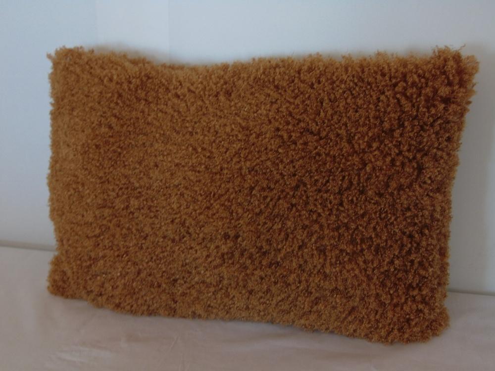 Декоративная подушка Золотое руно (искусственный мех) (50*50) декоративная подушка шкура медведя искусственный мех 50 50