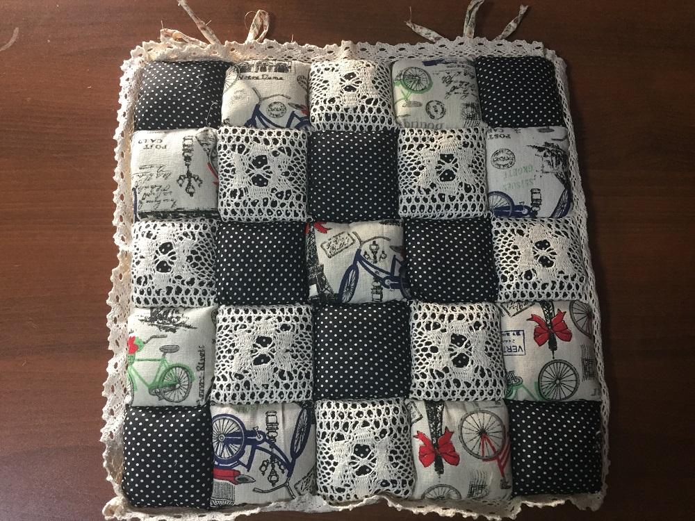 Декоративная подушка Винтаж (черный с горошками) (40*40) подушка для стульев винтаж коричневый 40 40