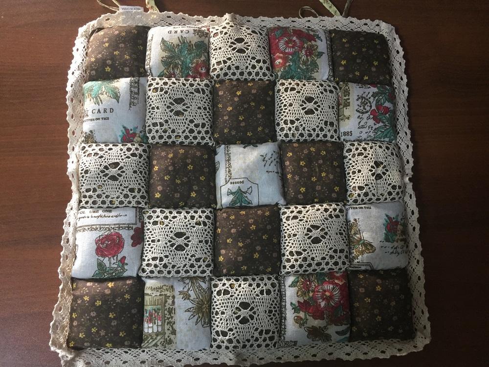 Декоративная подушка Винтаж (какао со цветочками) (40*40) подушка для стульев винтаж коричневый 40 40